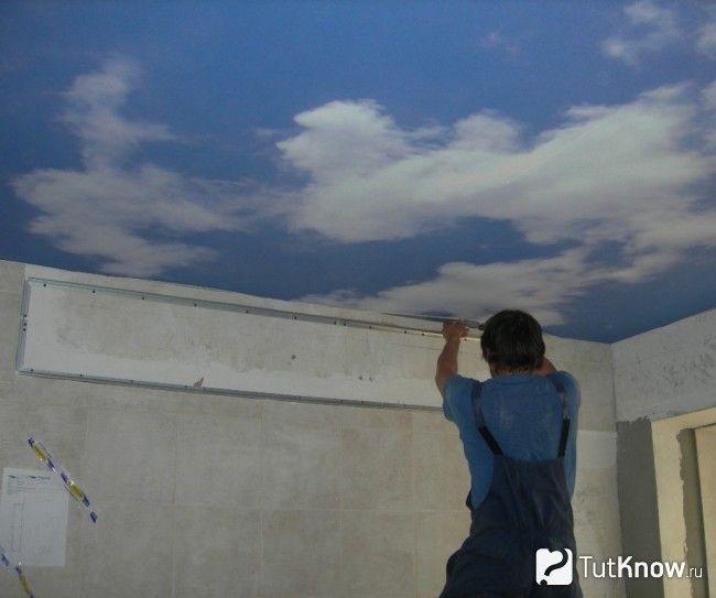 Монтаж натяжної стелі «Небо з хмарами»