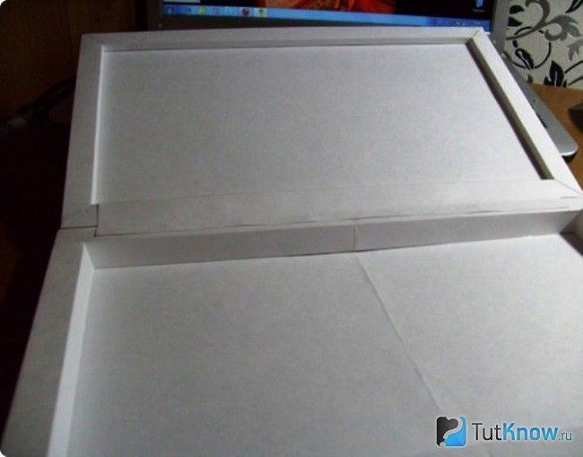 Склеювання двох картонних заготовок