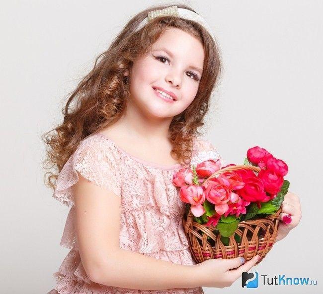 Подарунок для дівчинки на 8 березня