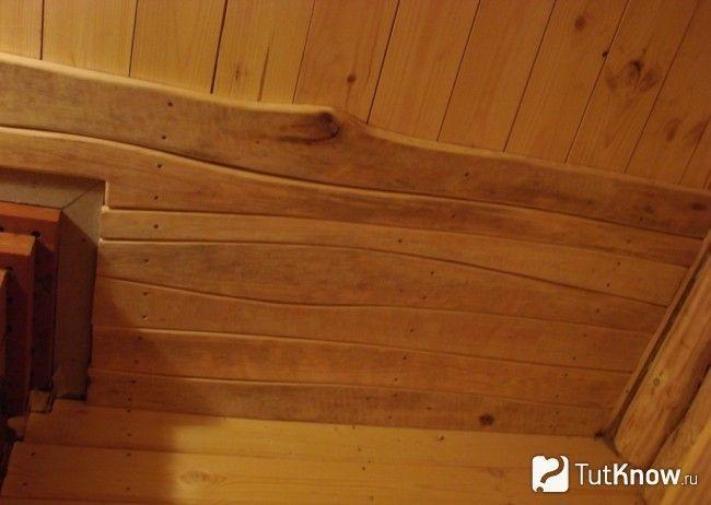 Оздоблення стелі в лазні дошкою