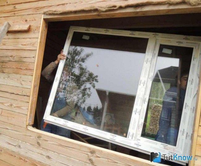 Монтаж пластикового вікна в лазні