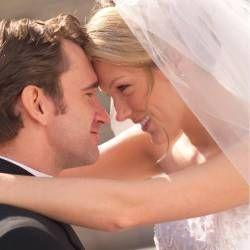 Чому красиві жінки виходять заміж за менш привабливих чоловіків?