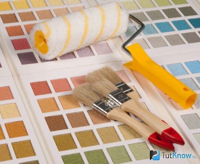 Валик і кисті для фарбування стелі з гіпскартона