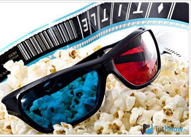 3D окуляри та попкорн