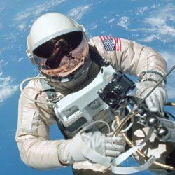 Розвінчуємо найпоширеніші міфи про космос
