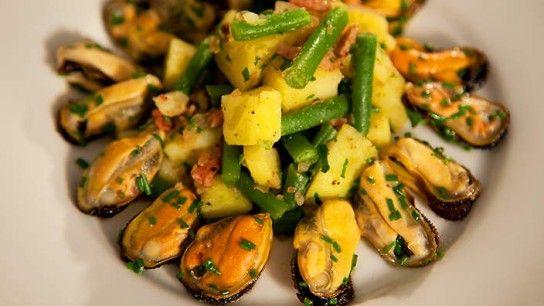 Салат з мідій - рецепт