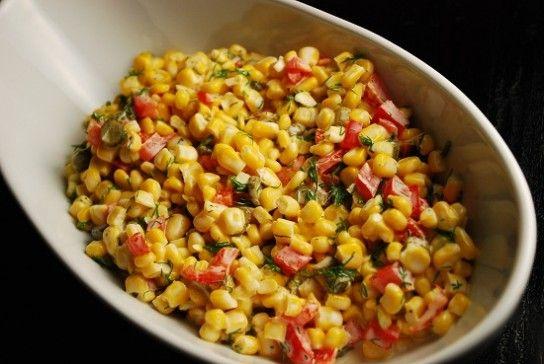Салат з кукурудзи з червоним болгарським перцем