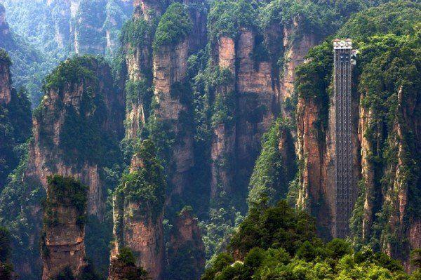Незвичайний ліфт в Китаї