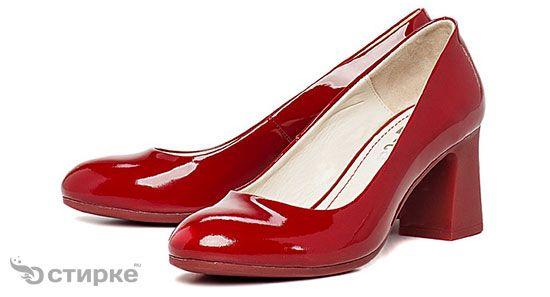 Секрети догляду за лакованим взуттям