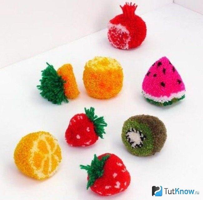 Помпони у вигляді фруктів