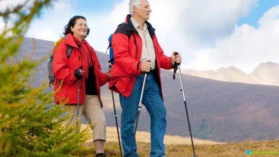 Скандинавська ходьба з палицями: користь і шкода!