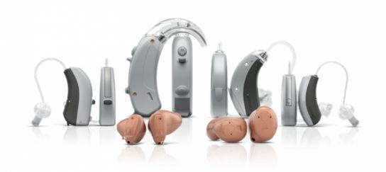 Слуховий апарат: як вибрати бабусі чи дідуся?