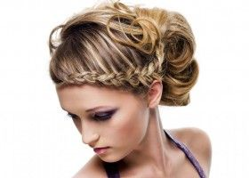Поради по догляду за волоссям: як розчісувати, сушити, мити