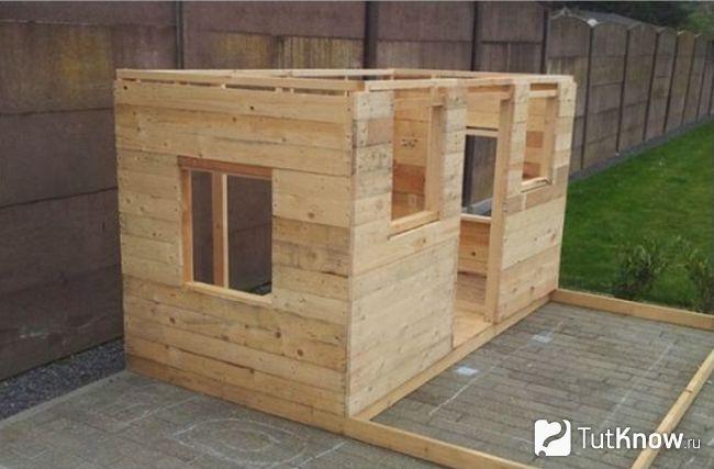 Готові стіни дерев`яного будиночка