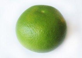 Світі - фрукт з трьома назвами