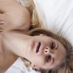 Тестостерон змушує жінок шукати самозадоволення