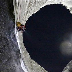 Вчені спустилися на дно загадкових кратерів на ямалі