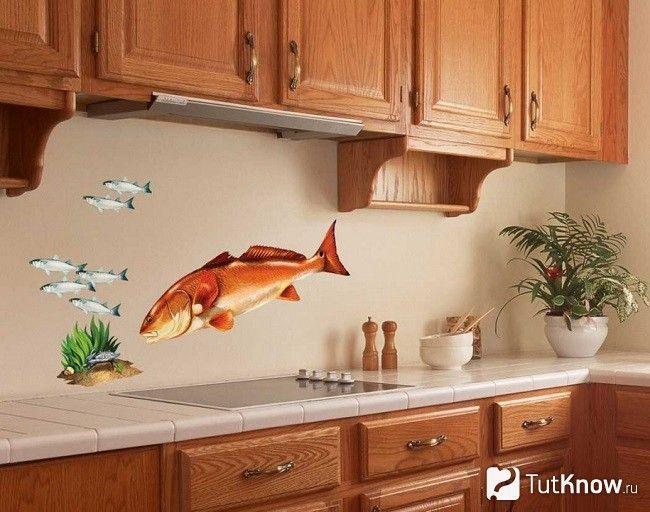 Декорування стін на кухні наклейками морської тематики