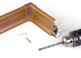 Установка підлогового плінтуса з кабель-каналом
