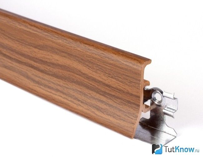 Планується з кабель-каналом для підлоги