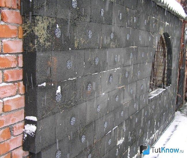 Стіна, утеплена піносклом